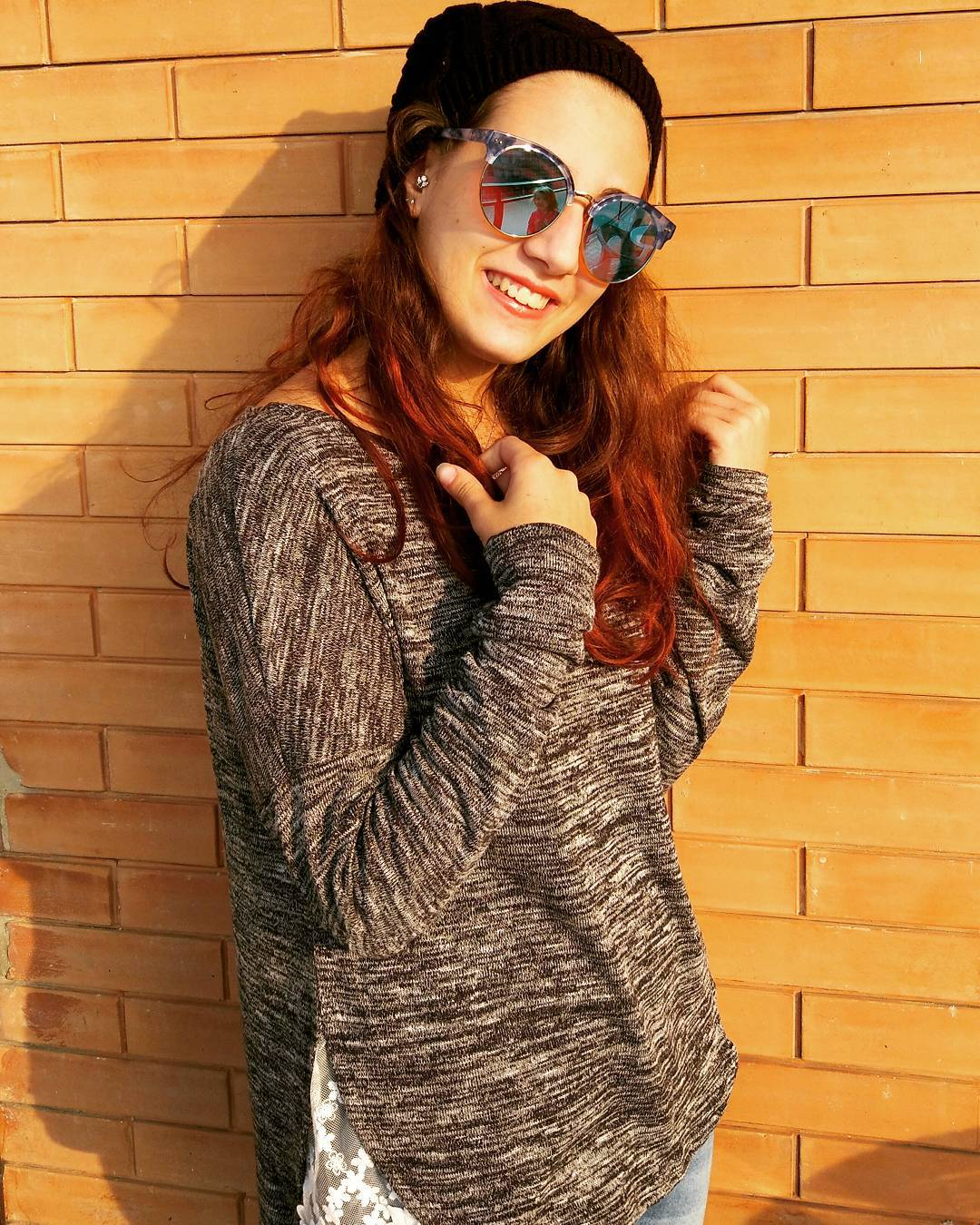 Il sole d'inverno illumina il sorriso e scalda il cuore #outfitoftheday #outfit #sweater #dresslily #sunglasses #jpagetta #piercing #crazyfactory #fashionaddict #fashionblogger #style #fashiongram #urbanoutfit #urbanoutfitters #trendy #casual #atrendyexperience #b4shopping #instablogger #instafashionista #moda #model #vogue #glamour #instaoutfit