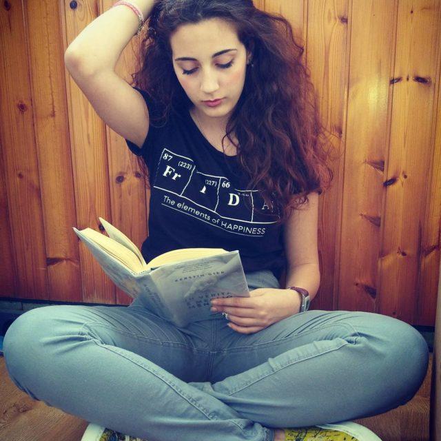 picoftheday friday letturadelgiorno kerstingier inveritaemegliomentire bookstagram libri fashiondetails fashionaccessories fashionbloggerhellip