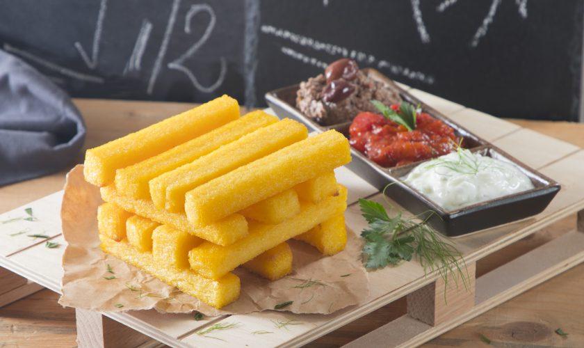 Parallelepipedo di polenta con salsa