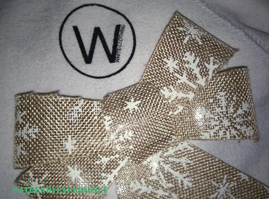 White-Clothing sotto l'Albero