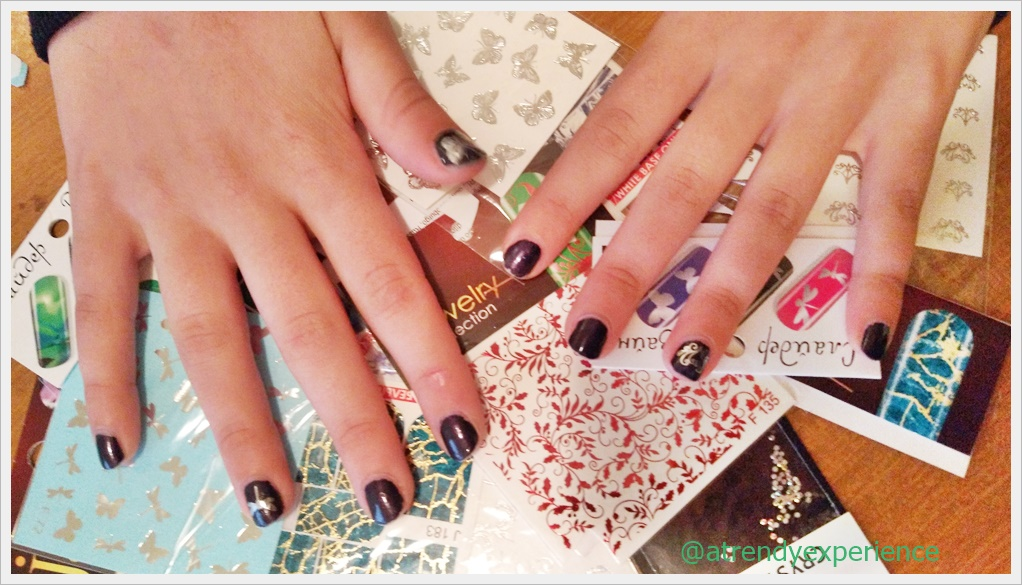 adesivi per unghie