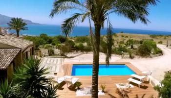villa in sicilia con piscina