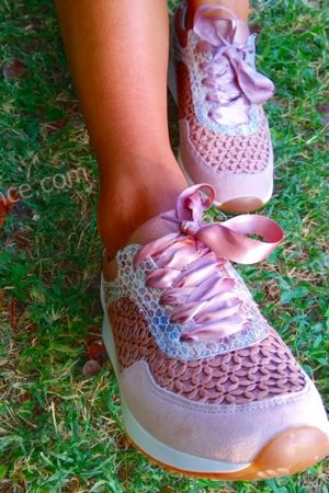 sneakers rosa come indossarle