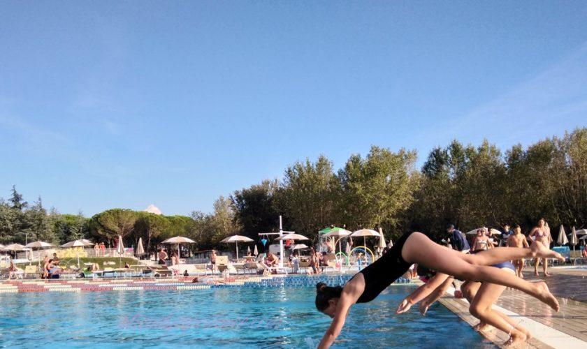 benefici del nuoto su corpo e mente