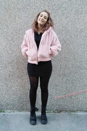abito in maglia nero come abbinarlo-min