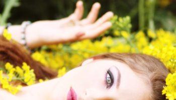 correttore colorato per nascondere le imperfezioni-min