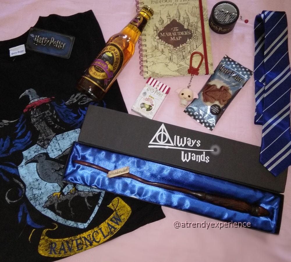 gadget Harry potter t-shirt, quaderno, carillon, burro birra, cravatta, cioccorane, caramelle tutti gusti +1, bacchetta magica