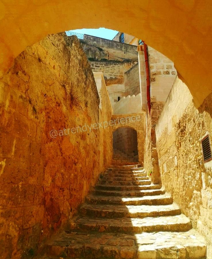 scalinata nel cuore dei Sassi di Matera