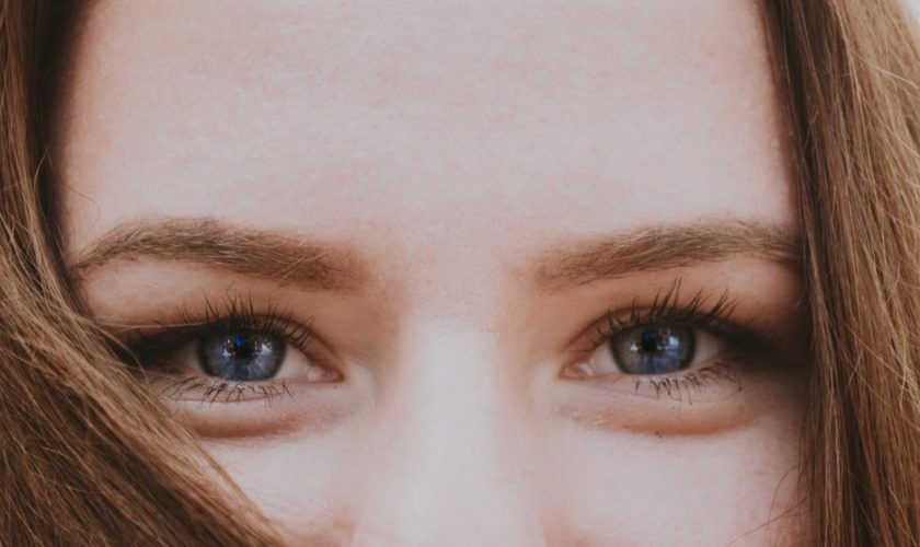 cropped-sgonfiare-borse-occhi.jpg