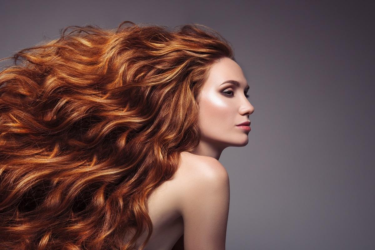prendersi cura dei capelli in estate