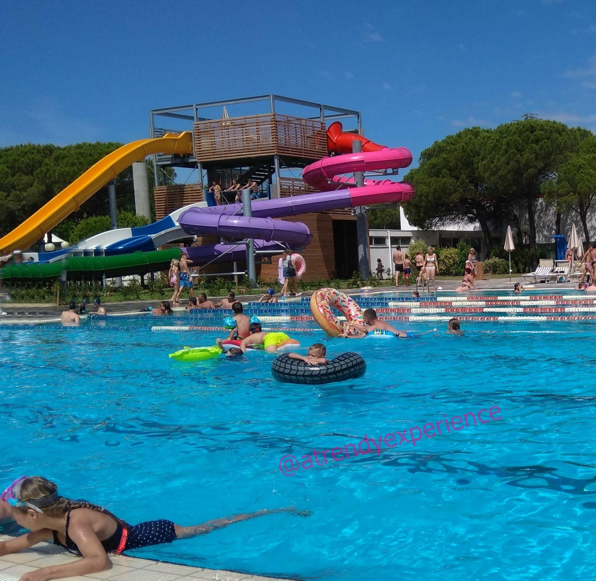 supporto galleggiante e salvagente per bambini e neonati