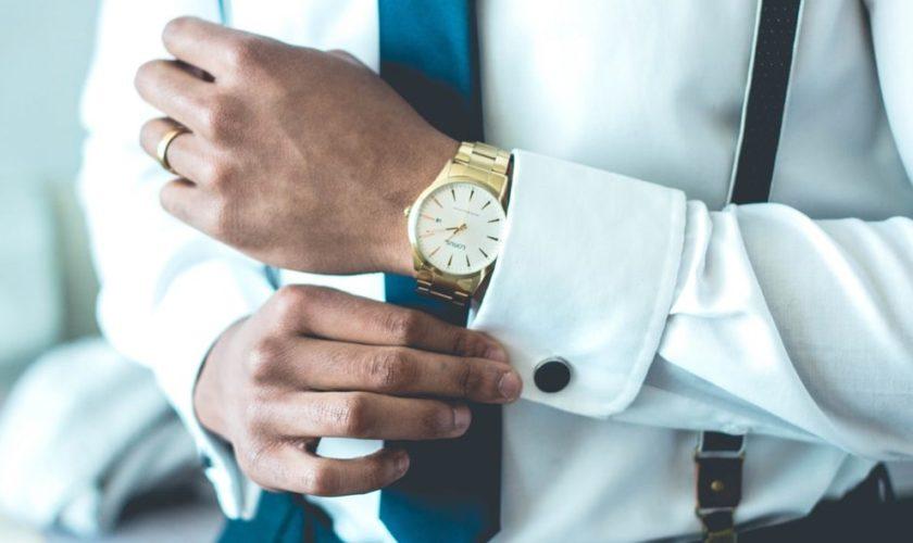 Camicia con iniziali: come rendere unico uno dei capi fondamentali della moda maschile