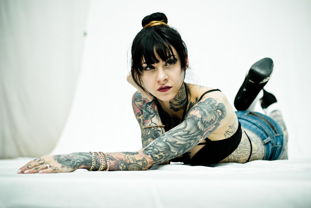 stili di tatuaggio dalla Old school al Trash polka tattoo