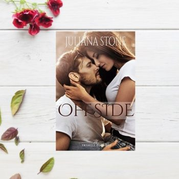 Offside di Juliana Stone