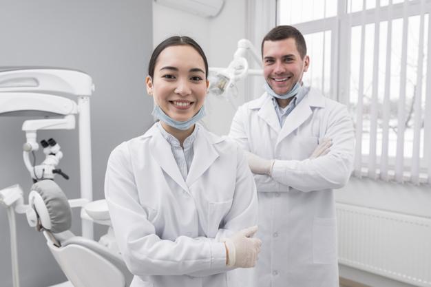 Perché i dentisti consigliano gli spazzolini elettrici