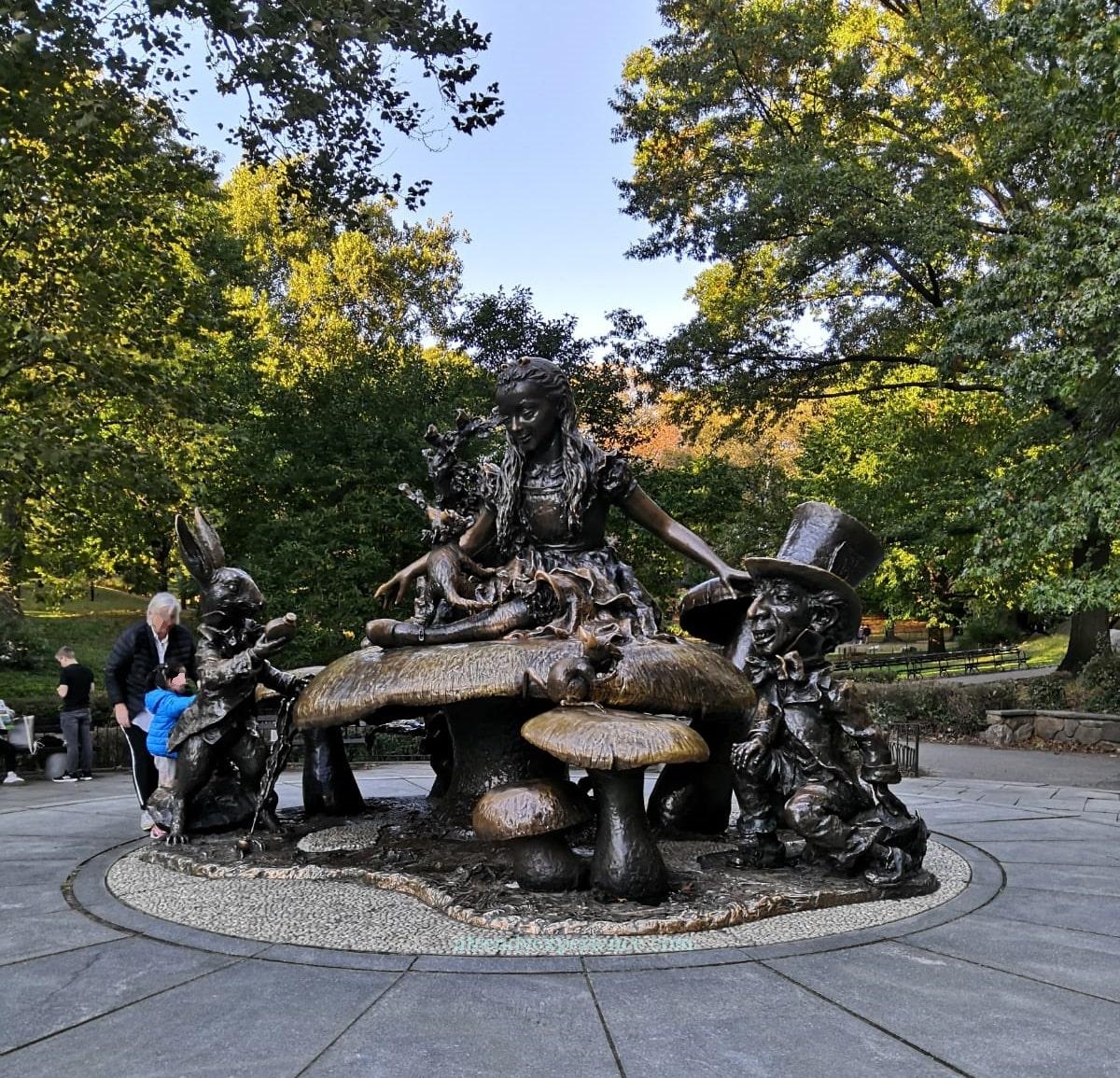 Alice nel Paese delle Meraviglie, Central Park, New York