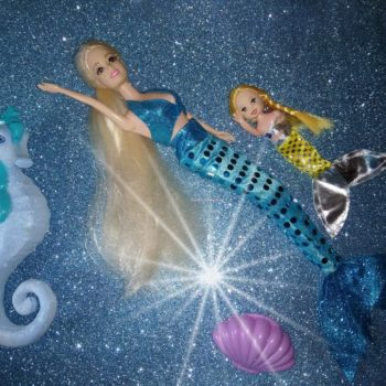 Bambola Sirena che Nuota con sirena bambina e cavalluccio marino