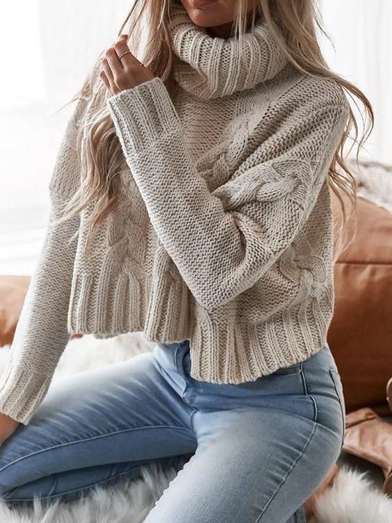 maglione a collo alto corto