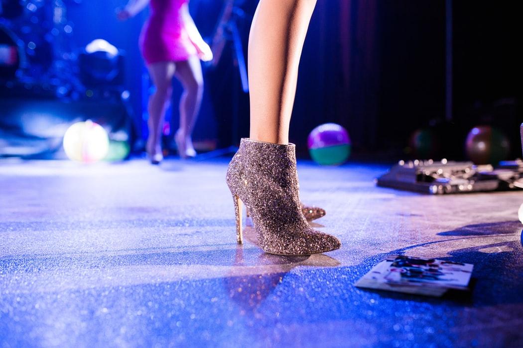 Come curare ed evitare le vesciche ai piedi con le scarpe nuove