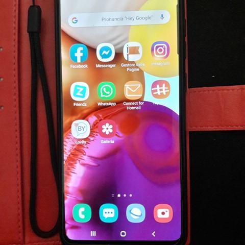 Samsung Galaxi A 71 recensione, scheda tecnica, prezzo, pro e contro