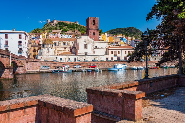 Bosa Marina organizzare un viaggio in Sardegna