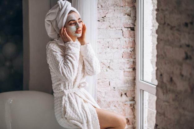 maschera per eliminare i brufoli e acne