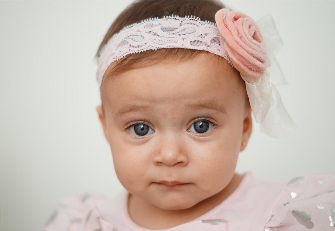 buchi alle orecchie ai bambini e neonati