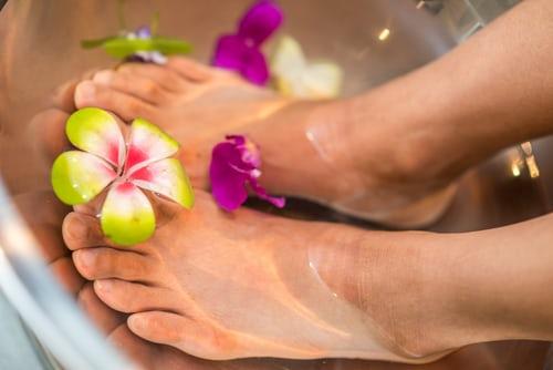 come alleviare il dolore ai piedi