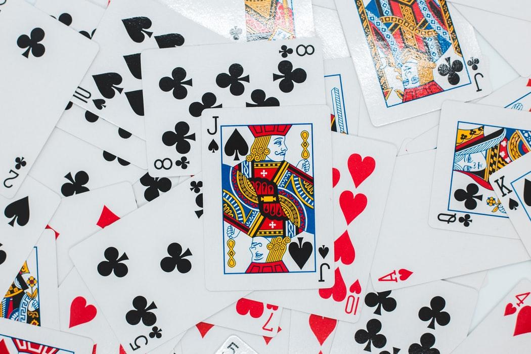 giochi con le carte l'uomo nero