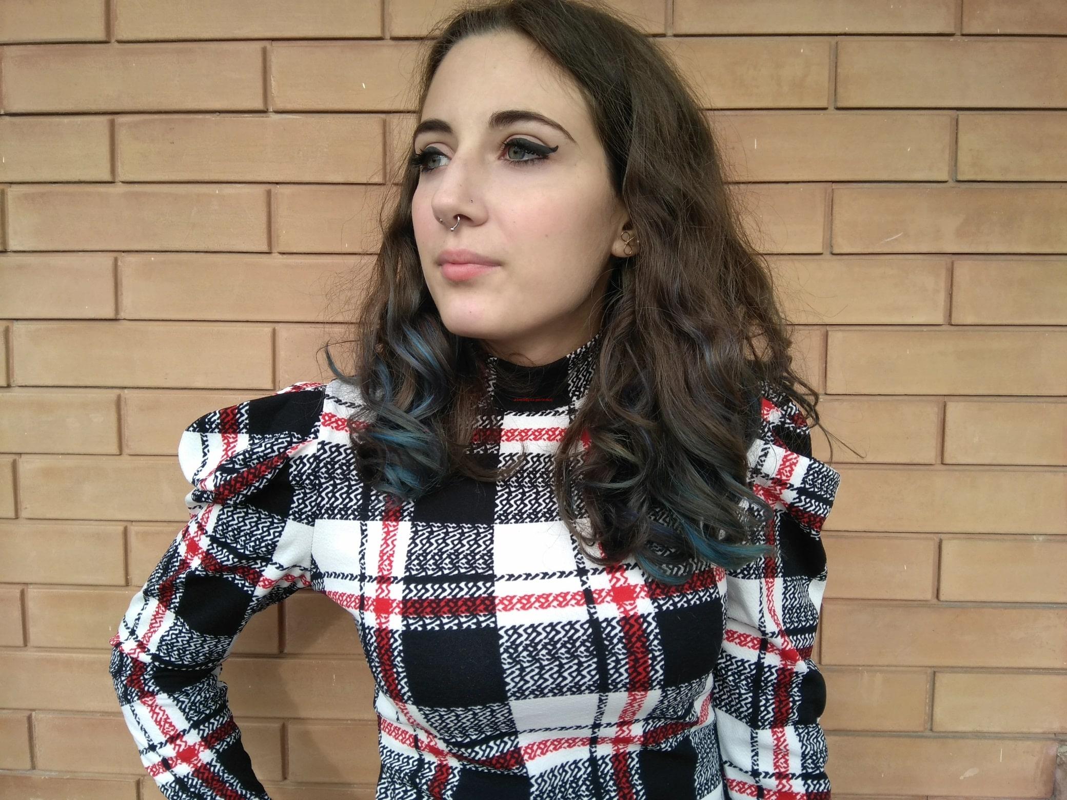 maglietta a quadri bella e femminile