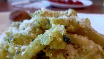 Finocchi Saltati Al Curry E Pecorino romano ricetta facile e gustosa