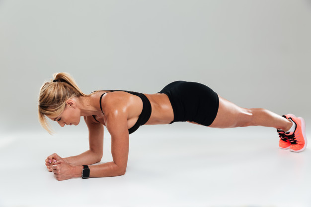 esercizi belly slot: plank e plank laterale