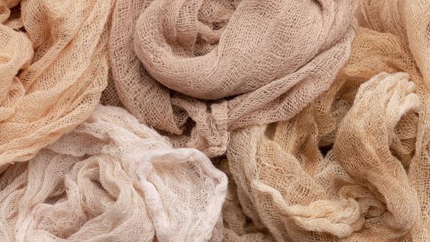 I differenti tipi di fibre per realizzare i tessuti di abbigliamento