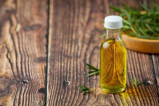 come si estrae l'olio essenziale