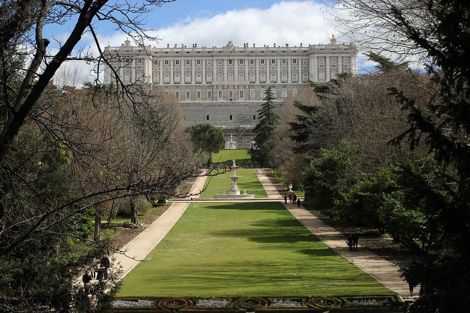 Visitare Madrid a piedi le mete imperdibili