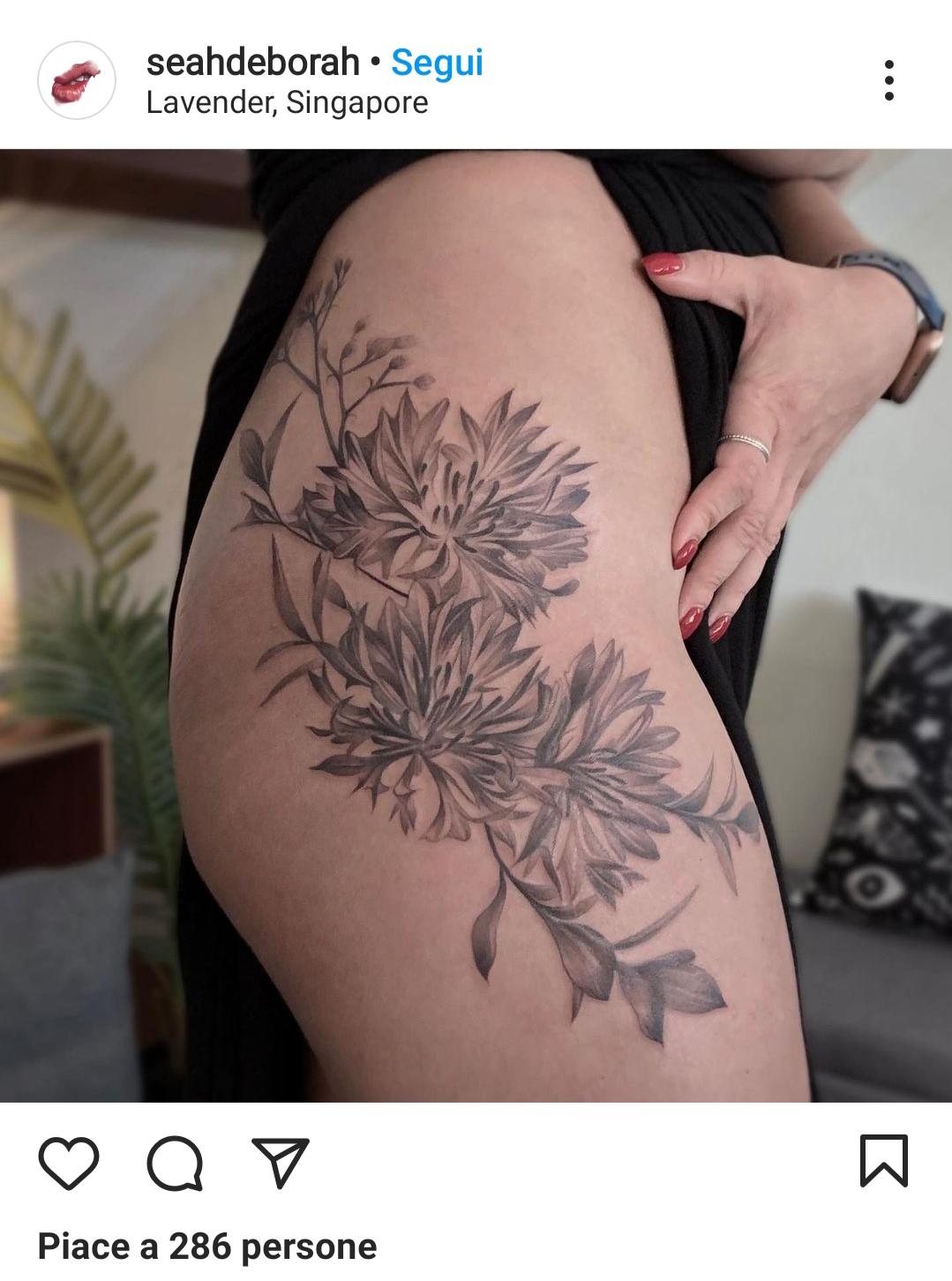 Tatuaggio cosce grosse