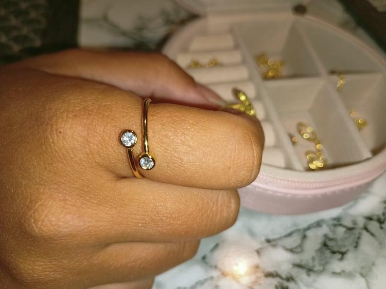 Come pulire i gioielli con pietre e lucidare le pietre preziose