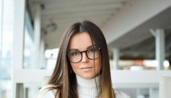 Trucco con occhiali, come creare il make up in base al tuo viso se porti gli occhiali