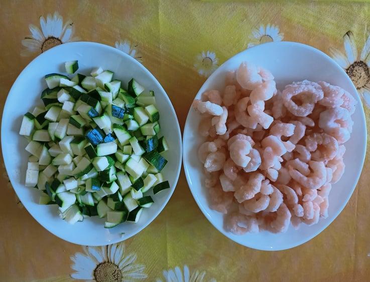 pasta gamberetti e zucchine senza panna saporita al curry e curcuma ingredienti
