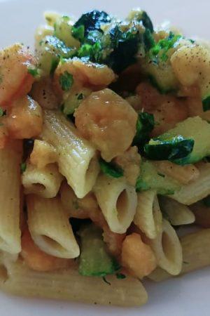 pasta gamberetti e zucchine senza panna saporita al curry e curcuma