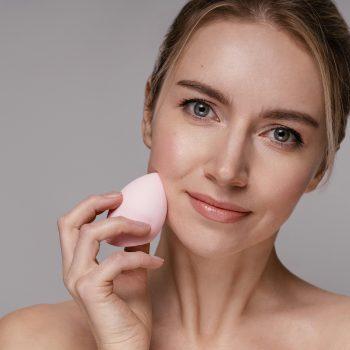 Beauty Blender, Cos'è E Come Si Usa La Rivoluzionaria Spugnetta Trucco A Goccia