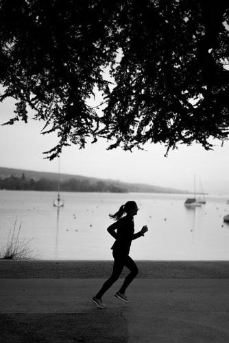 Correre e camminare per migliorare il nostro benessere interiore