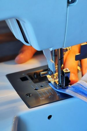 i vantaggi della macchina da cucire portatile